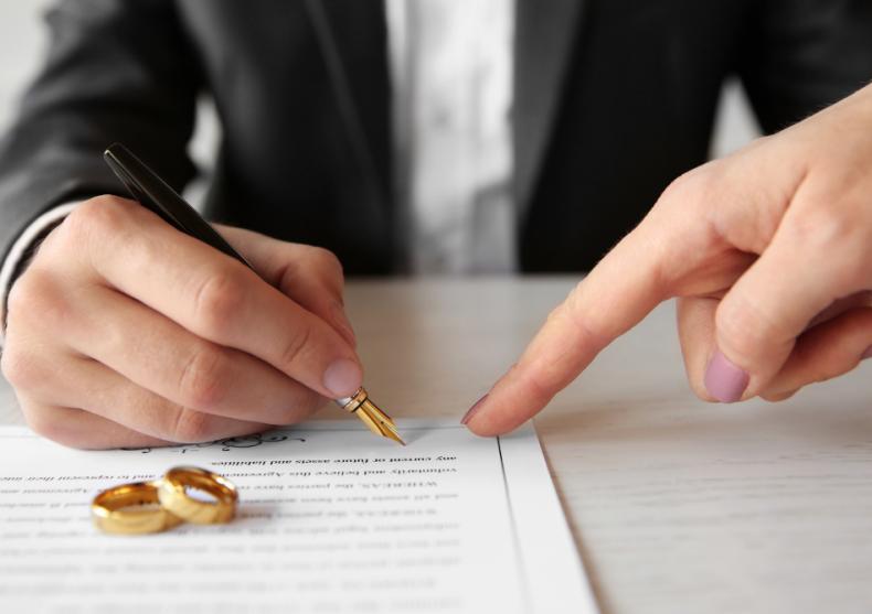 Marturii de nunta sau botez — marturii plantabile, creioane personalizate